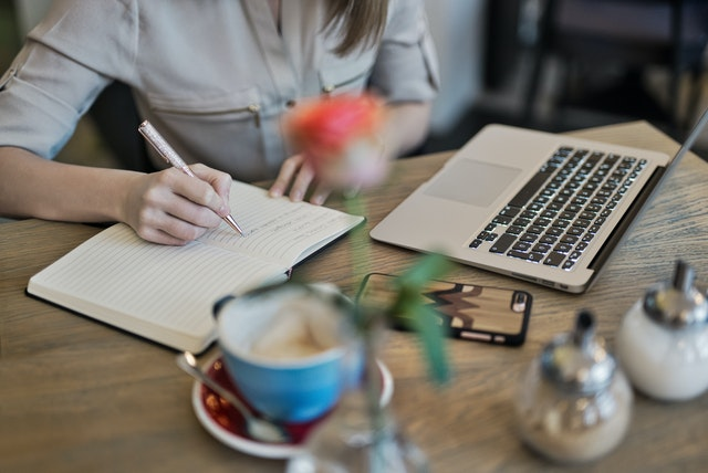 Pro Tips of Writing a Dissertation Abstract – Complete Guide for Students